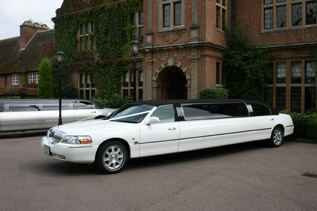 White limo available for hire in Amersham and Beaconsfield